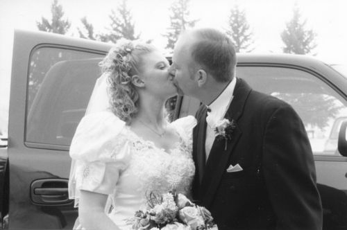 Russ jul bw kiss